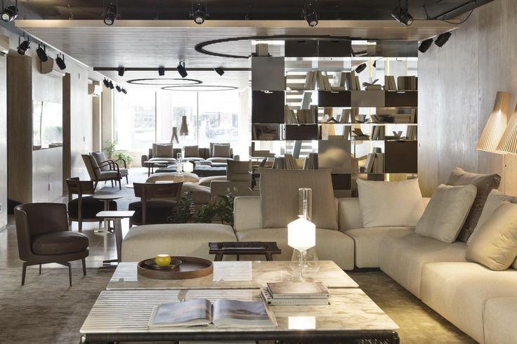 2017 new opening | #FLEXFORM LARIO #sofa, TINDARI small #tables, FEEL GOOD #armchair, #design Antonio Citterio Photo Courtesy: Ruy Teixeira