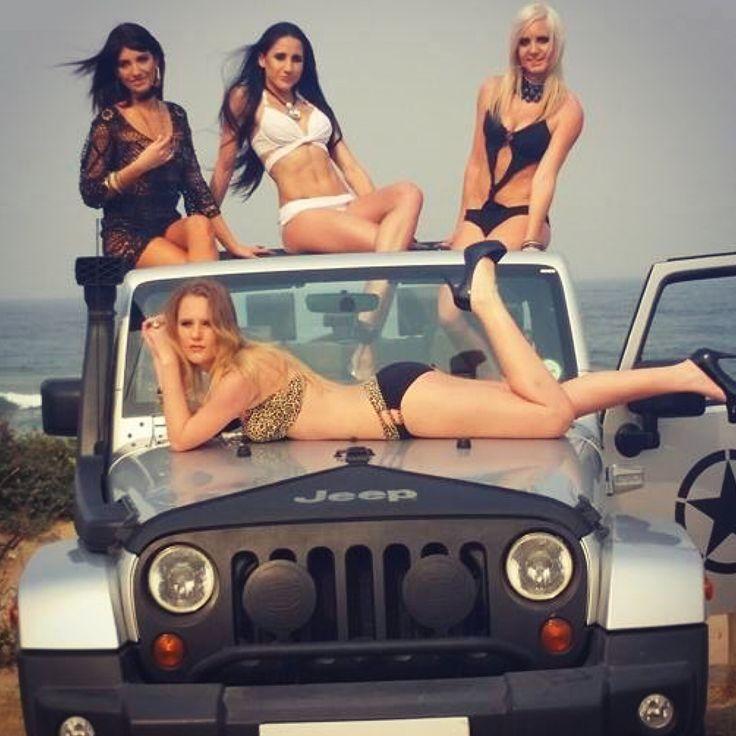 bikini jeep photo