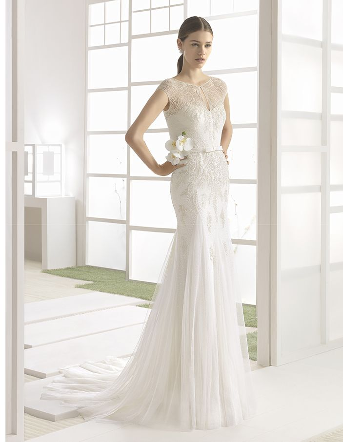 Wilbour - Beaded soft tulle column dress with round neck and V-shaped neckline, in ivory.