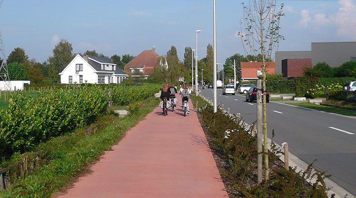 Eén euro investeren in een fietssnelweg levert minimaal het dubbele aan gezondheidswinst op, in de praktijk zelfs nog meer. Dat is de uitkomst van een modelstudie van onderzoekers van de Vlaamse Instelling voor Technologisch Onderzoek (VITO), gepubliceerd in de Journal of Transport & Health.