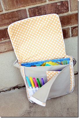 Toddler-size messenger bag - tutorial with photos and clear instructions. Could easily be upsized to adult (or older child) size