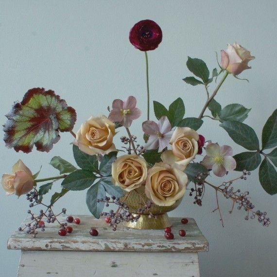 308 best images about floral design on pinterest scented for Martha stewart floral arrangements