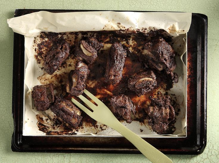 Cocoa Beef Ribs by greek chef Akis. Delicious and easy recipe for cocoa beef ribs full of flavours. Try the recipe!