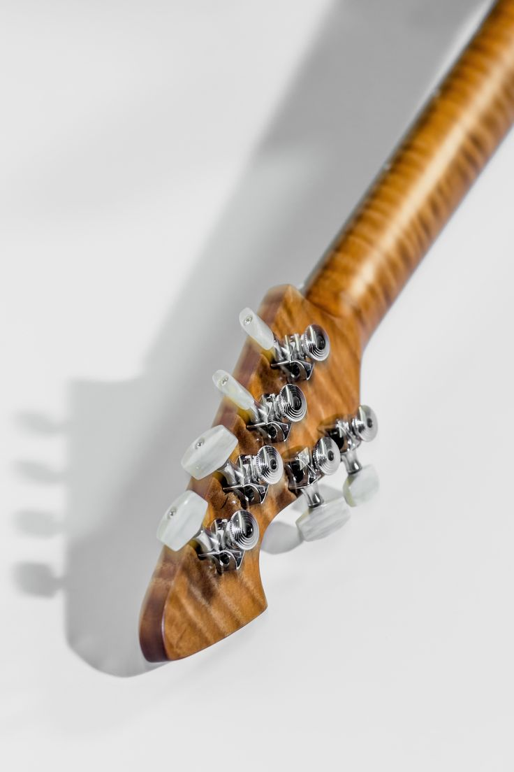 Bara – Walsh Guitars
