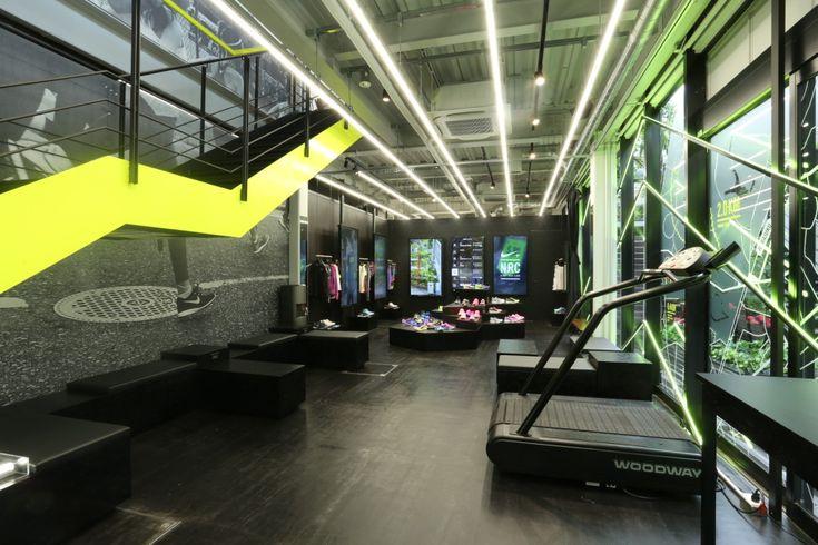 'Nike+ Run Club Omotesando' now open / RoC Staff / Ring of Colour