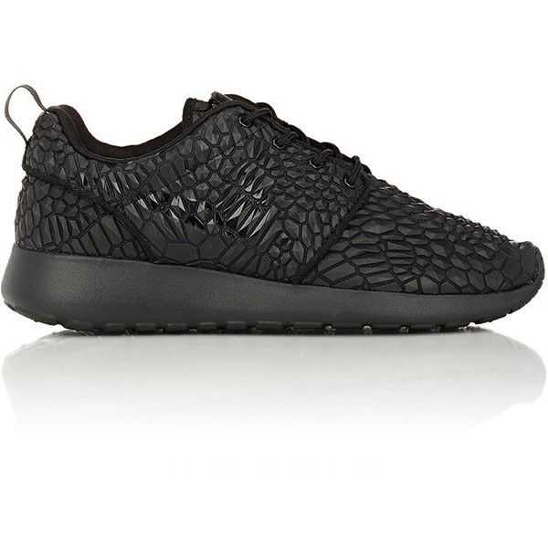 Nike Roshe One DMB Sneakers ($130) ❤ liked on Polyvore featuring shoes, sneakers, black, leather shoes, grip trainer, leather low top sneakers, leather sneakers и lightweight sneakers