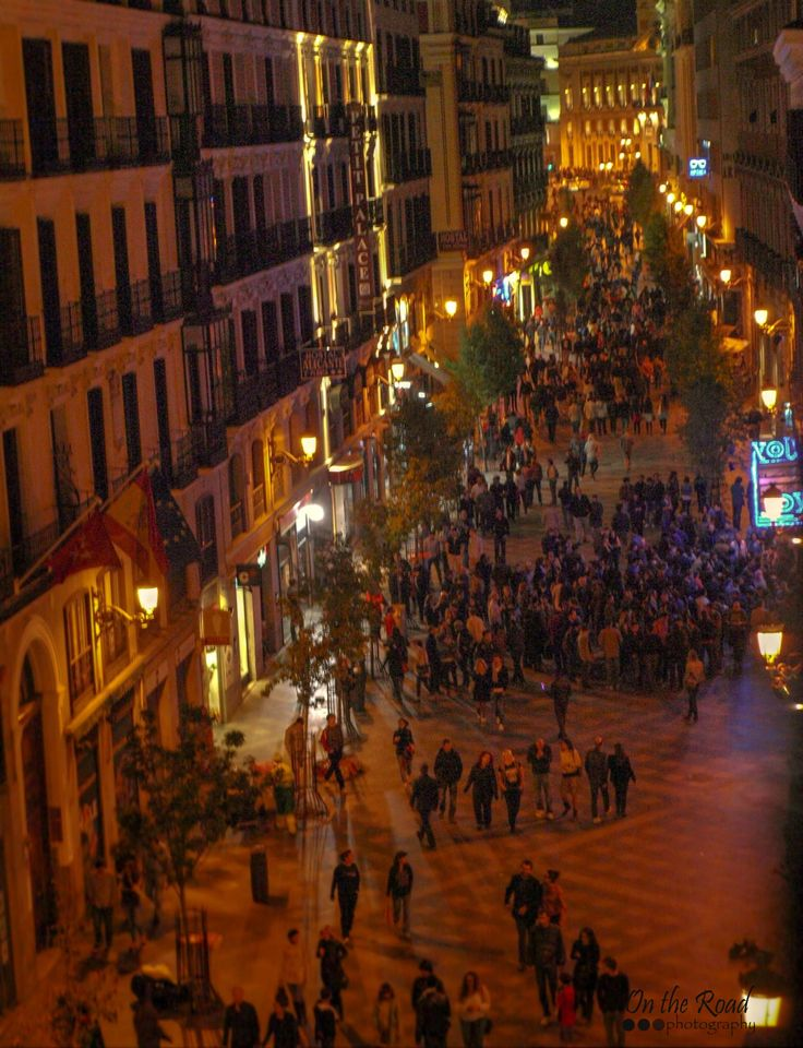The best time to really see Madrid is during night time. That is when the city is flooded with lights and people are swarming the streets in search for the best restaurant, bar or club. The Spanish capital gets a whole different look after the sun sets and it's a real experience.