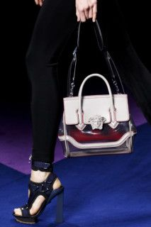 Versace детали   Коллекции весна-лето 2017   Милан   VOGUE