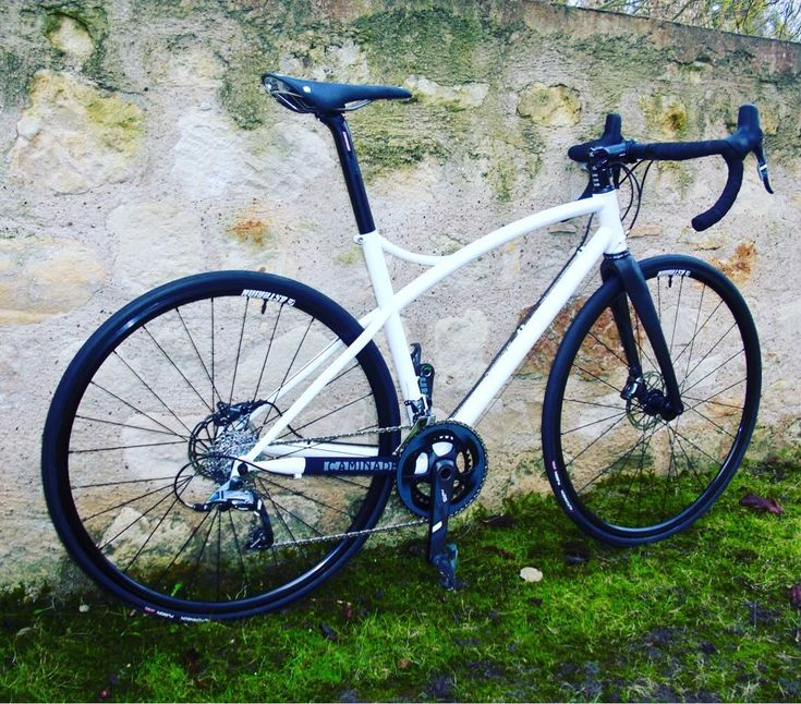 Brève #caminadebikes #madeinfrance #roadbike #steelbike #handmade #roaddisc #steelframe #framebuilder #brooks #cambium #asterionwheels #force22 #columbus  Route66 disc road bike bespoke steel frame handmade in our workshop in South of France in Pyrénées Orientales. #caminadebikes #madeinfrance #roadbike #steelbike #handmade #roaddisc #steelframe #framebuilder #brooks #cambium #asterionwheels #force22 #columbus...  Brève #caminadebikes #madeinfrance #roadbike #steelbike #handmade #roaddisc…