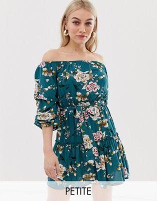 93e5e0fe1 Vestido con escote Bardot y cinturón anudado en estampado floral de  Parisian Petite
