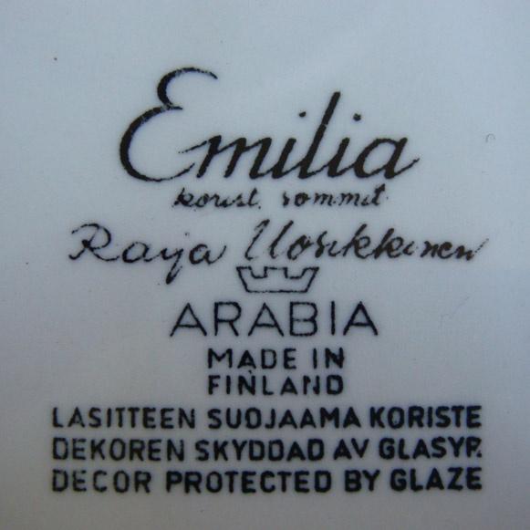 "Emilia"" tray. Raija Uosikkinen for Arabia.  Measures: 24.5×23 cm (9.6×9.9 inches)."