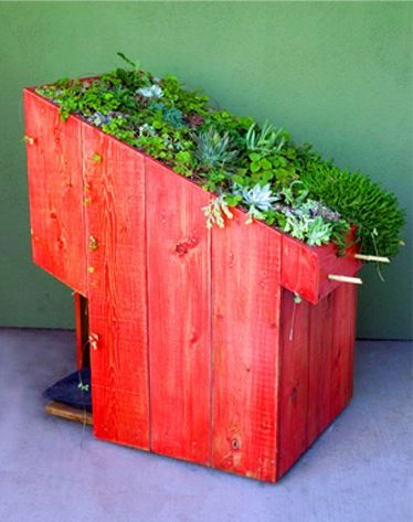 Sustainable Pet Green Roof Dog Houses - Design Green | Blog on Interior Design