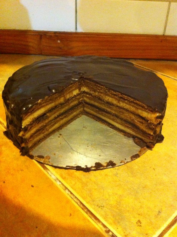 Torta panqueque chocolate/ mazapán/manjar (dulce de leche)