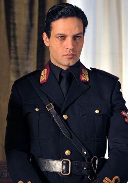 Gabriel Garko looking like a God