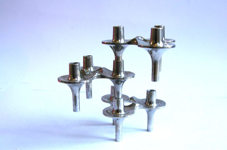 """Voor de kerst: 3 Strakke stapelbare jaren 50 design kandelaars """"vogelflug"""" kandelaren in zilverkleur. €40,00, via Etsy."""