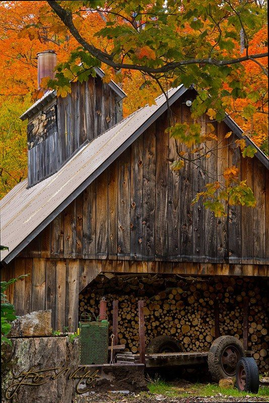 Looks Like A Barn, But It's A Sugar Shack In Vermont