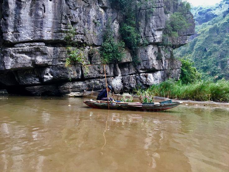 Hoa Lu river tour, Tam Coc Vietnam