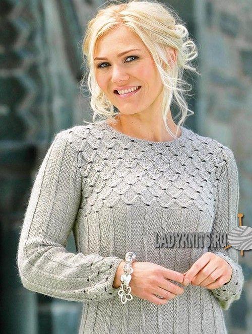 Теплое женское платье вязаное спицами