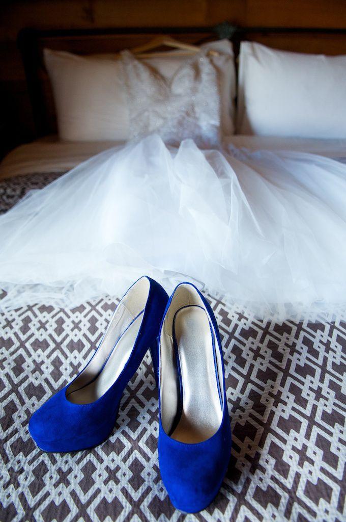 BLUE wedding shoes! #wedding #weddingdetails #whitefishmontanawedding