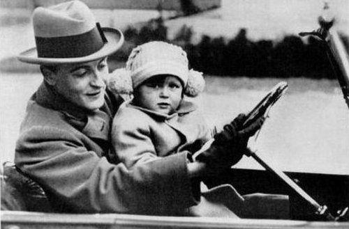 tisclassy:    F. Scott Fitzgerald and his daughter, Scottie.