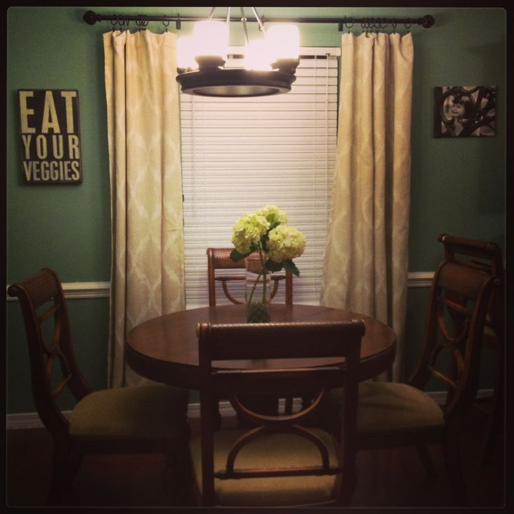 Cozy Dining Rooms: 178 Best Images About Small Space
