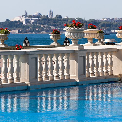 Ciragan Palace Kempinski Istanbul the day I arrived here it looked exactly lie this- ah! The Bosphorus!