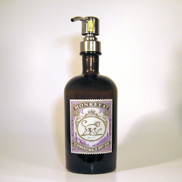 _**47 Botanicals geben ihm den Namen: der Affe aus dem Schwarz Wald.**_  Sein Flaschenwächter ähnelt einer Apotheker Flasche und bewahrte das Elixier sicher auf. Doch anstatt nach Gebrauch ins...
