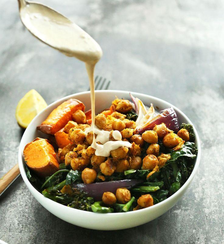 Buddha bowl à la patate douce, aux pois chiches, épinards