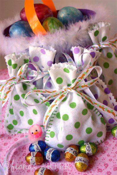 embalagem para os ovinhos de páscoaGift Bags, Felt Crafts, Crafts Projects, Easter Sewing, Felt Easter, Easter Gift, Easter Eggs, Eggs Bags, Easter Bags