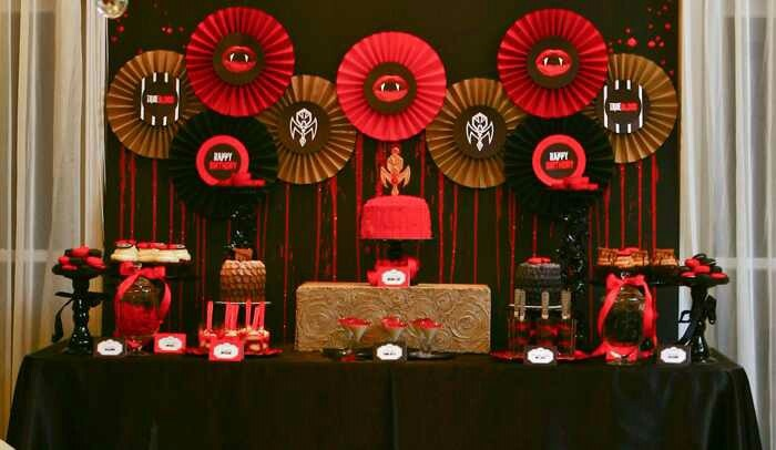 decoracao festa naruto : decoracao festa naruto:Awesome True Blood inspired dessert table via Amy Atlas