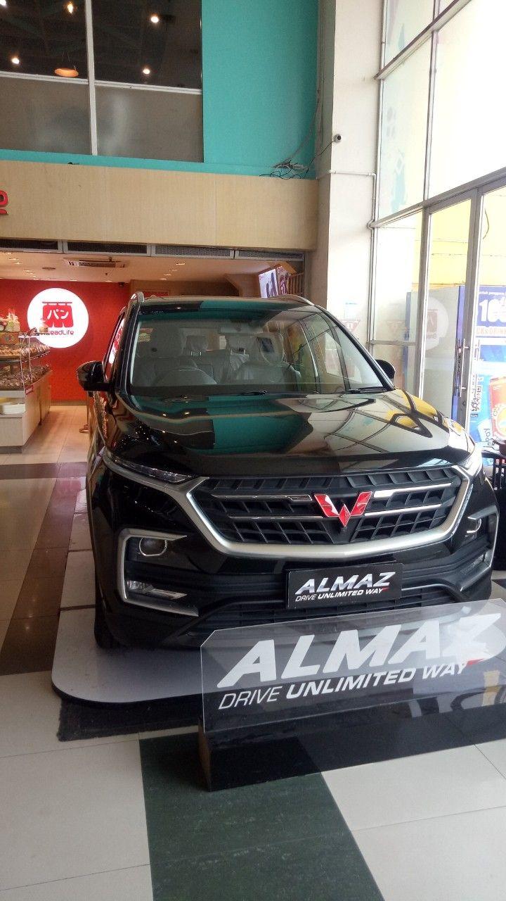 Wuling Almaz Mobil Baru