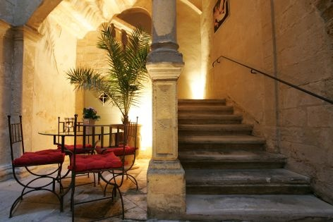 Stairs of new hotel la baume nimes france steps - Boutique orange nimes ...