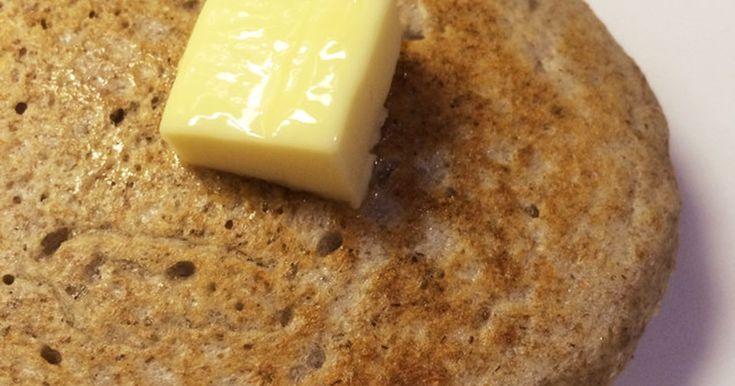 卵、牛乳不使用。食物繊維を豊富に含んだ全粒粉を朝食に。前夜に材料を混ぜて、朝はほぼ焼くだけ。サワードウ発酵でしっとり。