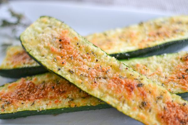 Parmesan Zucchini Bites recipe! Simple and tasty!! Im thinking these would be very addictive !
