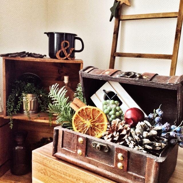 myumiponさんの、いなざうるす屋さん,クリスマスディスプレイ,クリスマス,ラダー,薬瓶,ワイン箱,棚,フェイクグリーン,IKEA,のお部屋写真