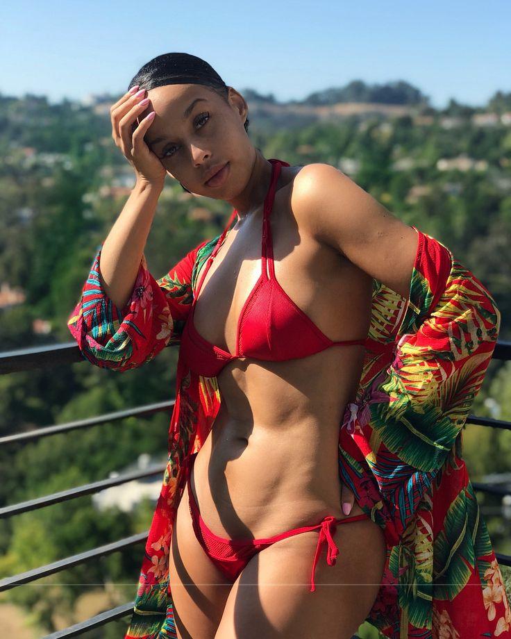 Looking naked gypsy hot girls fucking lesbian