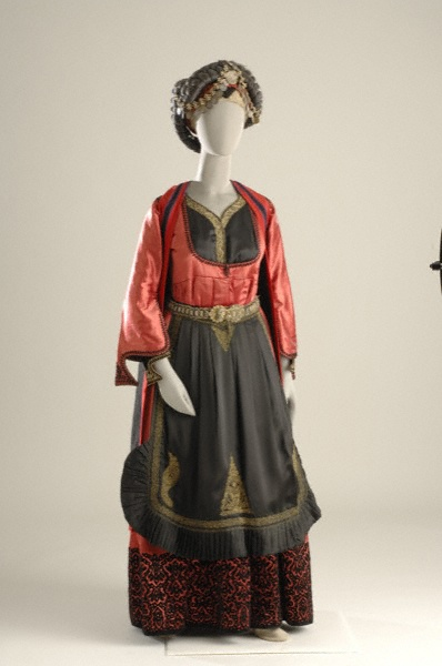 Women's festival clothing Metsovo - Epirus 19th - 20th century. Athens, Museum of Greek Folk Art.