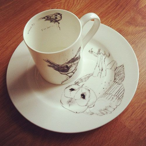 You may have seen me post this photo to my instagram a couple days ago and yes, it is our next giveaway! Elli Popp sent over these beautiful ceramics featuring drawings by Edwyn Collins (had to link it for the Empire Records fans). So who wants 'em?    If you'd like to snag this beautiful plate and mug tell me the first food and first beverage you'd put in and on them.    This giveaway courtesy of Elli Popp is open to everyone!