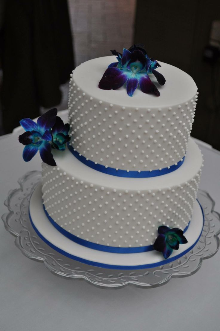 2 tier wedding cake singapore simple classical 2 tier white wedding cake with diagonal 10166