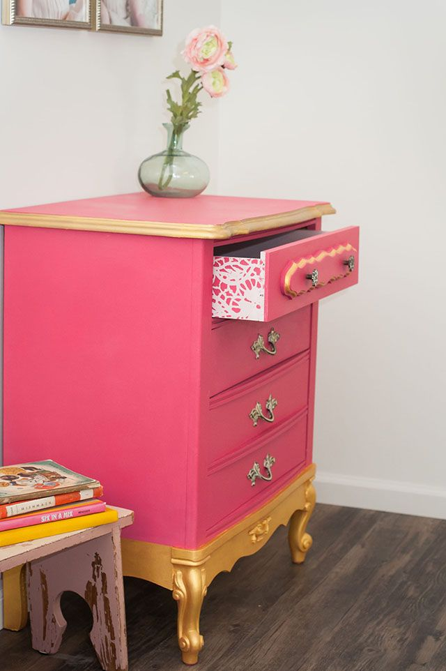 Haute Pink Project by Annie Sloan tockist Meco7! The outsides of the dresser were painted in a mix of Antoinette, Pure White, Burgundy and Barcelona Orange Chalk Paint®, creating a bright, show-stopping pink. The insides of the drawers also incorporated a pink, with the subtle and sophisticated tone of Antoinette Chalk Paint®. More details on the project in the link!
