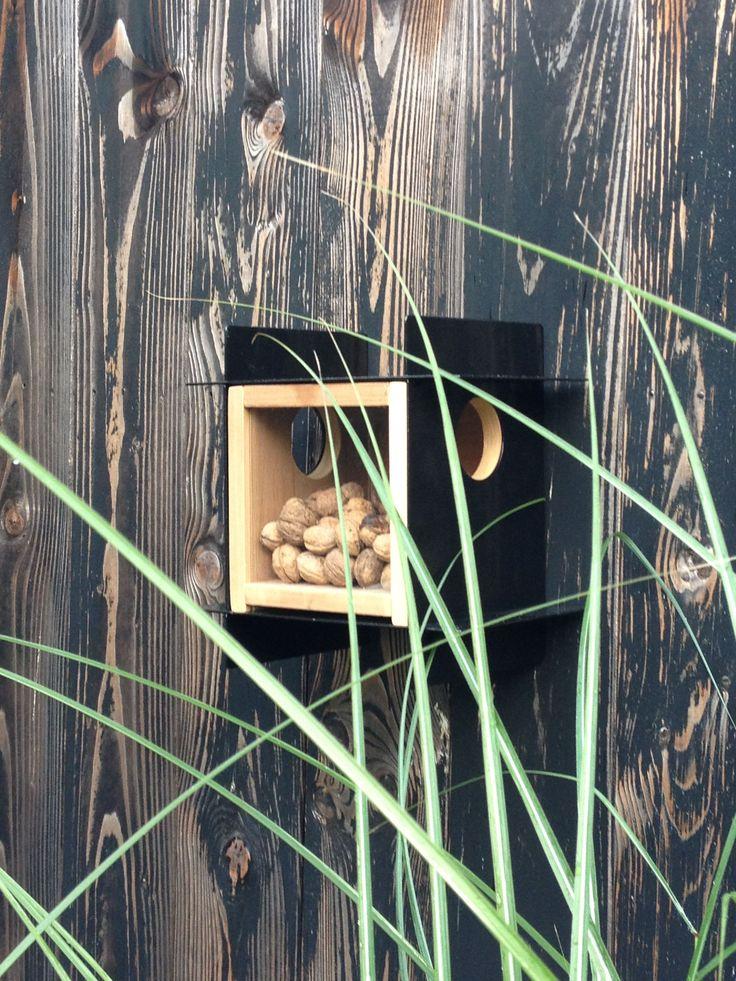 Eekhoornvoederhuisje zwart