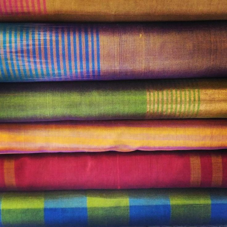 Play of lines and checks ;) Beautifully handwoven silk cottons by our weavers!  #weaving #handwoven #india #thekaiproject #makeinindia #buylocal #silkcottonsarees #textiles #fabric #andhrapradesh #craftstories