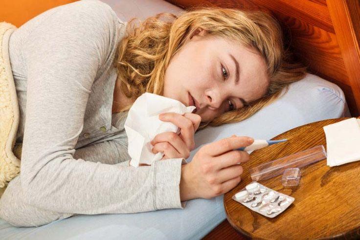 Cuando el moco y la flema se acumulan en los conductos nasales o en la garganta, se siente simplemente horrible. Es posible que experimente una tos persistente, dificultad para respirar o sienta opresión en el pecho. Cuando usted se viene abajo por un resfriado, su primer pensamiento puede ser el de encontrar un medicamento en su botiquín, pero hay varios remedios naturales que le pueden ayudar.  Aquí tiene cinco remedios naturales que eliminan la flema y la mucosidad rápidamente: 1. El…
