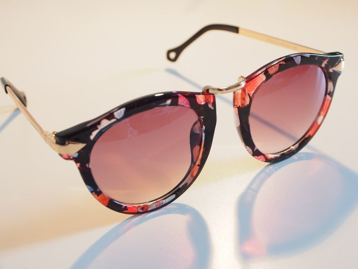 Retro inspired floral sunglasses from online boutique:   www.adornedbylove.com