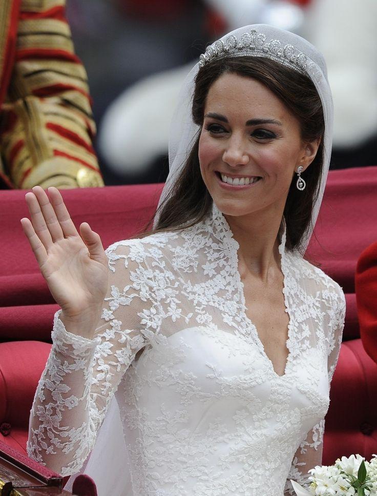 Dentelle de calais festonnée robe de mariée de Kate Middleton 150x110cm : Tissus H… (avec images ...