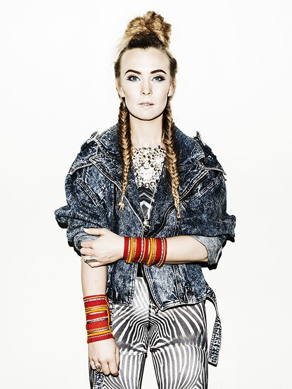 Zebra HighTights by Rivia Sports & Sofia Jannok. www.riviasports.com