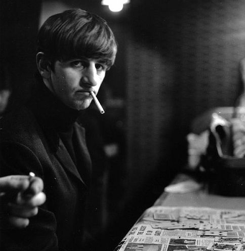 Ringo Star - celebrity smokers