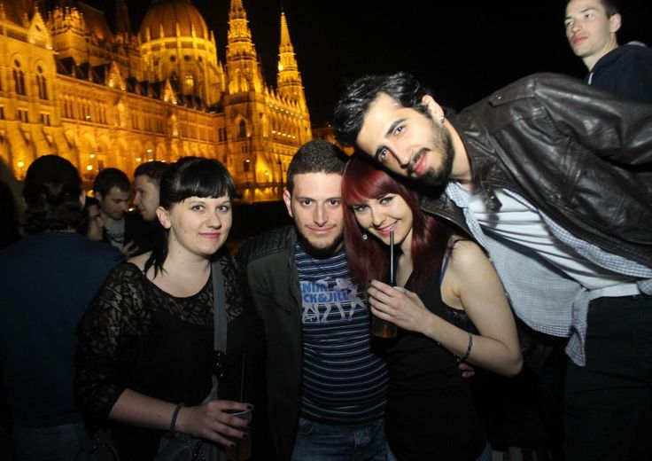 Discover a brand new awesome way to get out and enjoy Budapest night life. Combine a great party with an amazing cruise! Take our special night cruise on the river Danube featuring full bar, music and dancing! The best place to start the night with Tourboks!