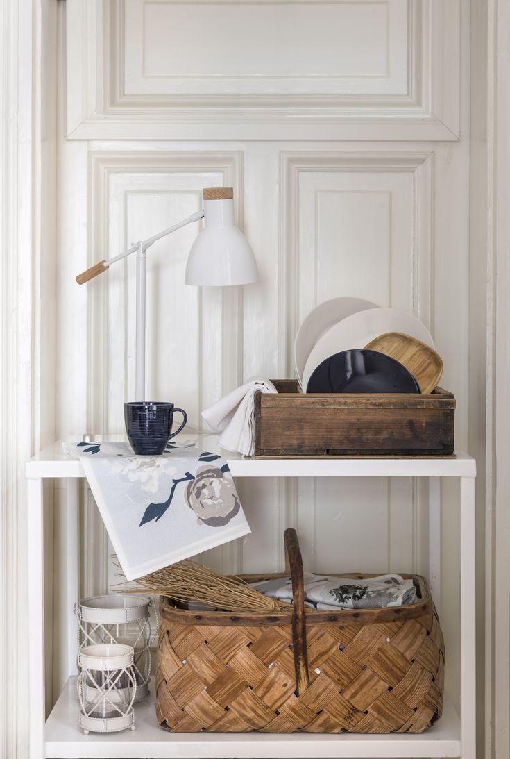 Aura Table Lamp | Pentik |
