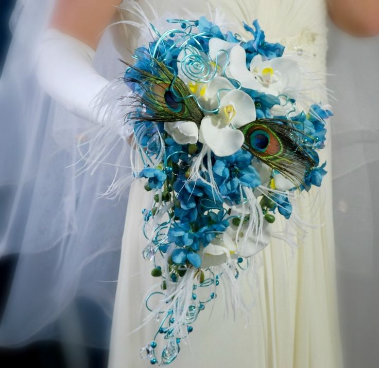 Svatební kytice Barbara Posh paví + korsáž